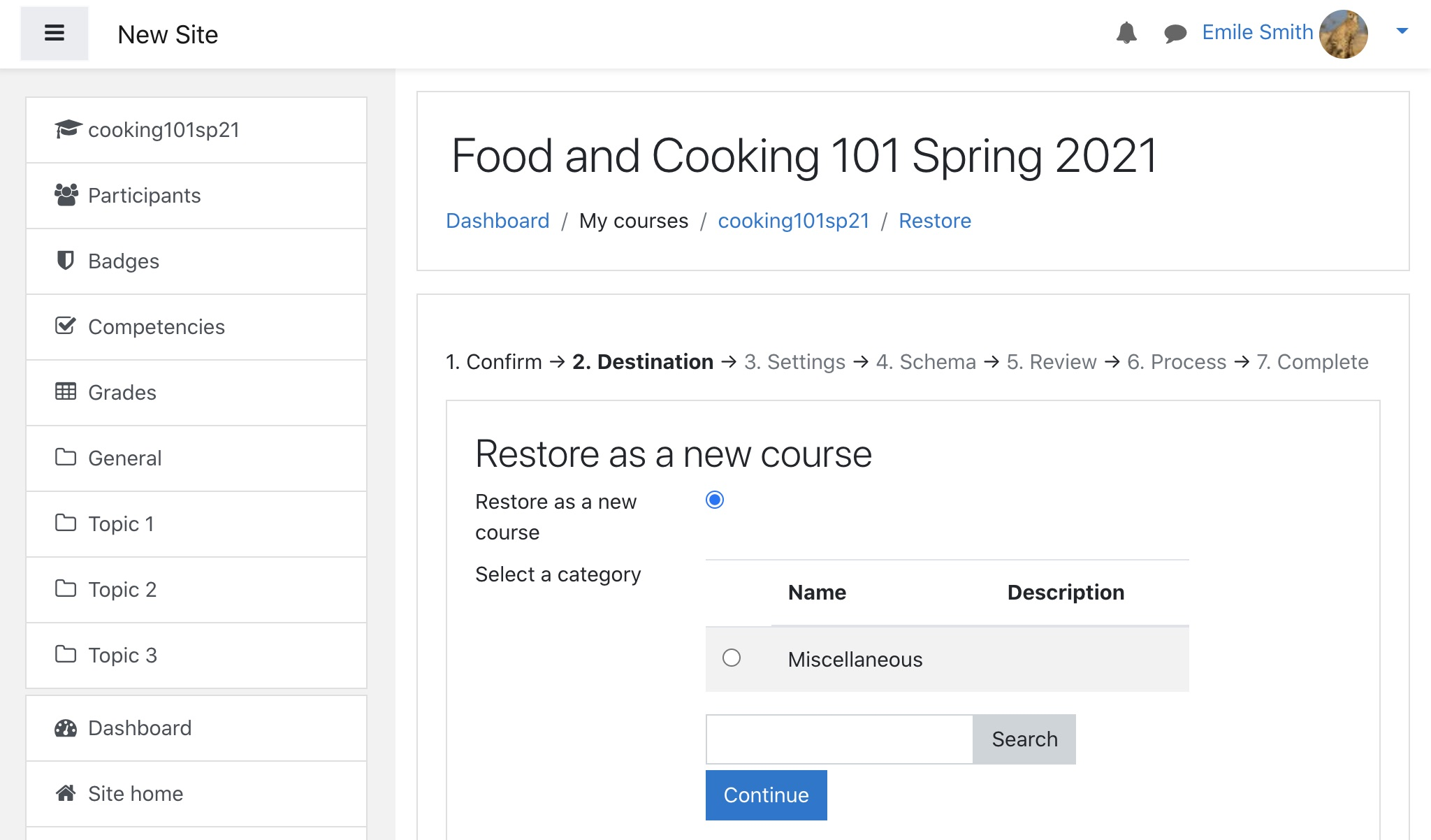 Moodle course restoration: user new course option